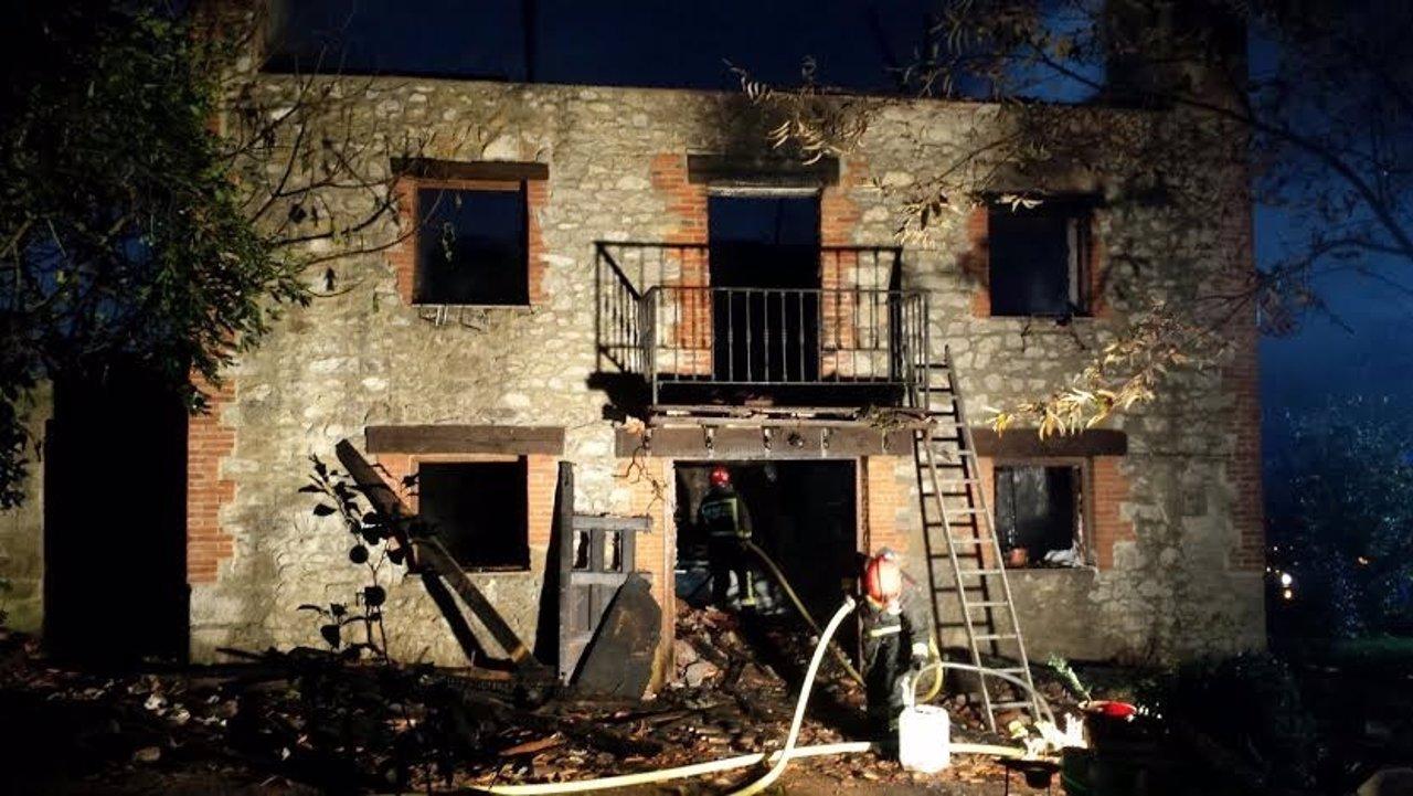 Incendio en una casa
