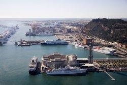 El Port de Barcelona instal·la dos fars a les bocanes d'entrada al recinte (OSCAR FERRER/PUERTO DE BARCELONA)