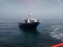 Salvament Marítim evacua un tripulant ferit d'un pesquer a Vilanova (SALVAMENTO MARÍTIMO)