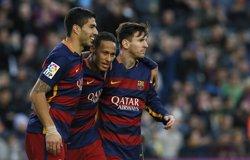 Messi, Neymar i Cristiano Ronaldo lluitaran per la Pilota d'Or (ALBERT GEA / REUTERS)