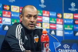 El València confirma la marxa de Nuno i que Voro es farà càrrec de l'equip (VALENCIA CF)