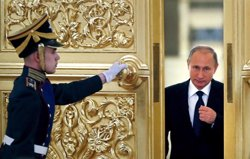 Putin reitera que Turquia va abatre l'avió per protegir el subministrament de petroli d'EI (EUROPA PRESS)