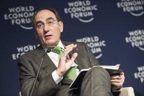 Foto: Galán destaca la oportunidad de los emergentes para definir un 'mix' que atraiga inversiones en renovables (IBEDROLA)
