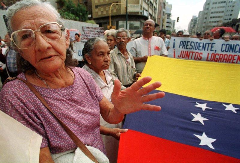 Jubilados venezolanos en el exterior sin pensi n y for Venezolanos en el exterior