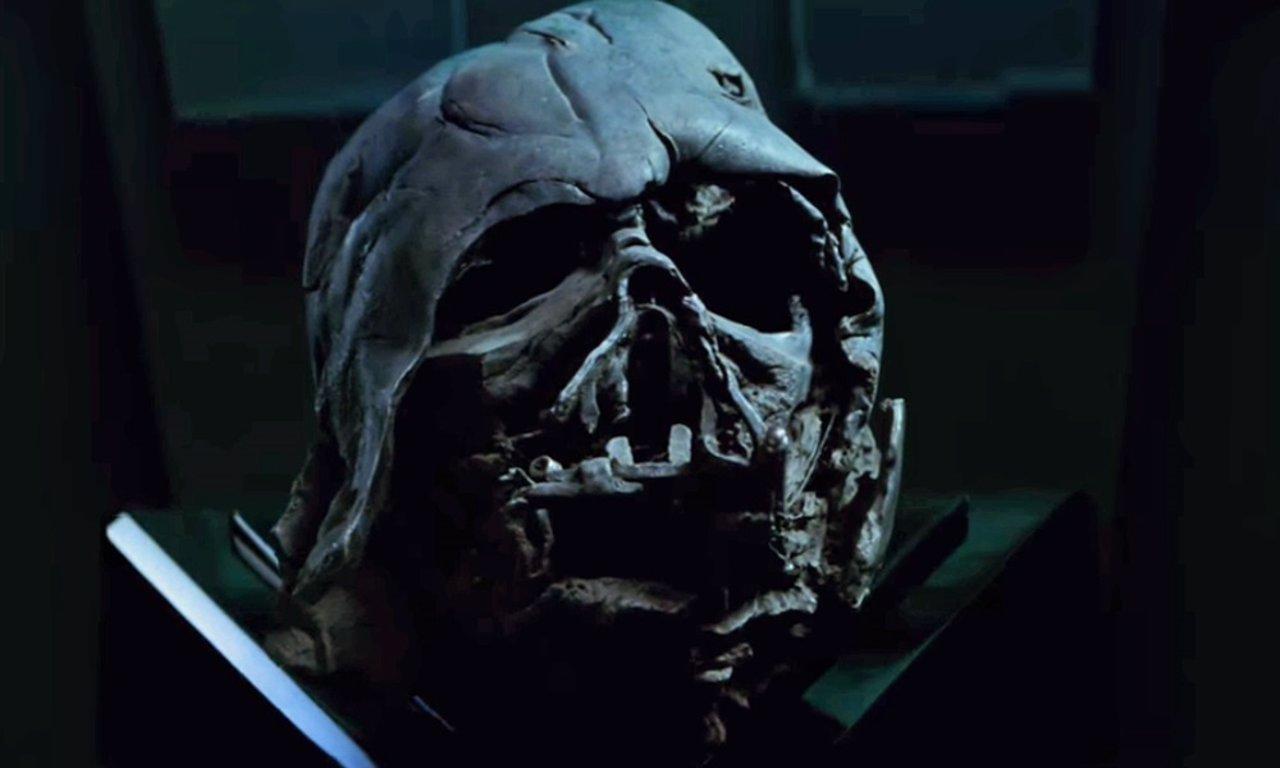 Star Wars 7: Kylo Ren No Tiene El Verdadero Casco De Darth