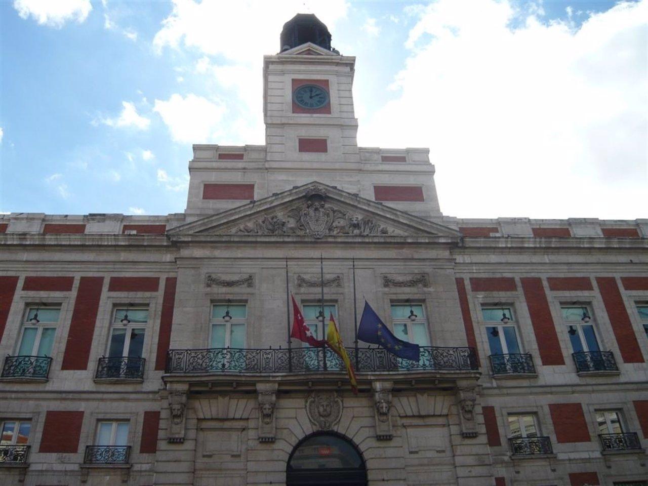 El sueldo de la presidenta los consejeros y altos cargos for Edificio de la comunidad de madrid