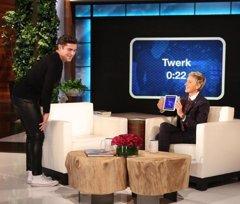 No te pierdas el baile sexy que Zac Efron dedicó a Ellen...