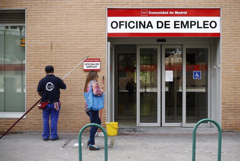 El n mero de parados en madrid subi en personas en for Oficinas inem madrid