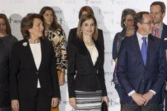 La Reina Letizia, junto al voluntariado y los familiares en la lucha contra el cáncer