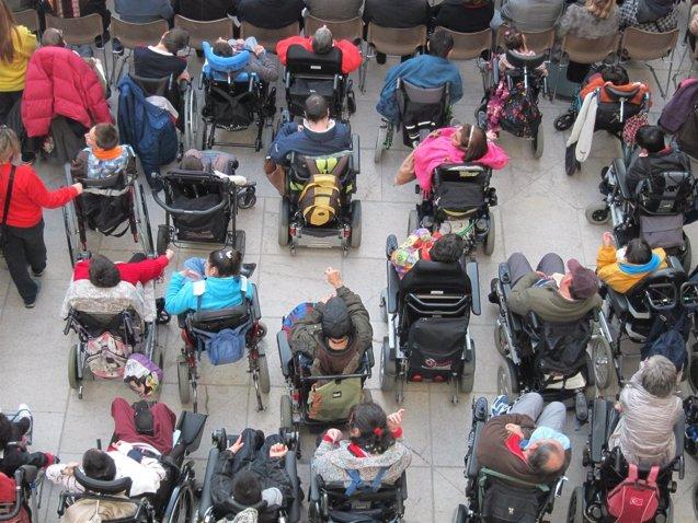 Foto: Aumenta la contratación de demandantes de empleo en riesgo de exclusión (EUROPA PRESS)