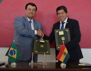 Foto: Bolivia y Brasil llegan a un acuerdo por la integración energética (HTTP://WWW2.HIDROCARBUROS.GOB.BO/)
