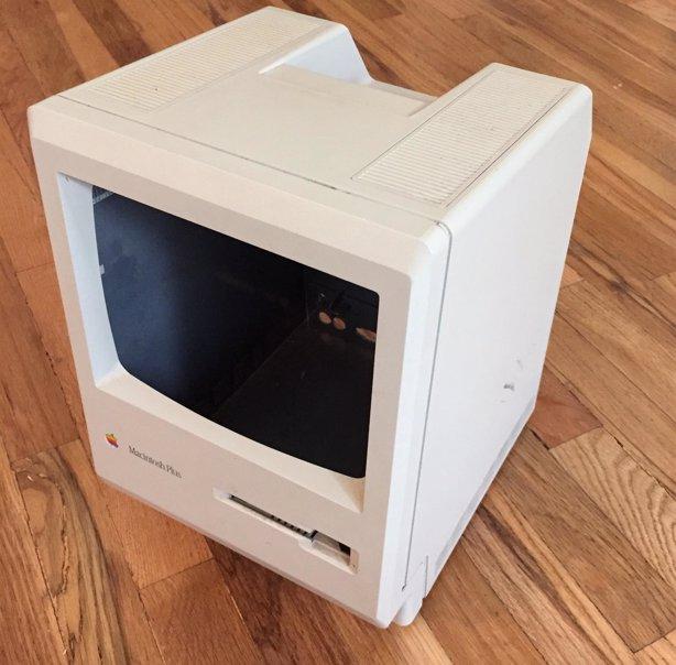 Convierte un Macintosh de 1984 en una papelera IMGUR HAHABIRD