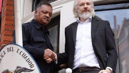 Els experts de l'ONU donen la raó a Assange i demanen posar-lo en llibertat