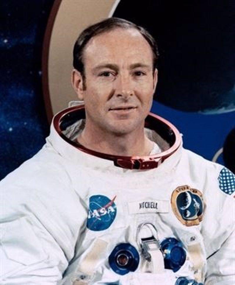 Muere a los 85 años el astronauta Edgar Mitchell, uno de los 12 que pisaron la Luna