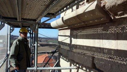 Avancen a bon ritme els treballs de restauració del campanar de l'església de Montgai