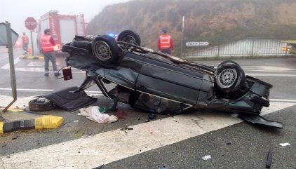 El cap de setmana es tanca amb 12 morts a les carreteres, sis d'ells motoristes