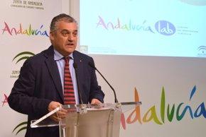 Foto: Andalucía Lab formará a 1.800 profesionales de las ocho provincias en 126 acciones en 2016 (EUROPA PRESS/JUNTA DE ANDALUCÍA)