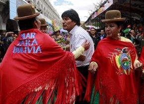 Foto: Los internautas se muestran indignados por los ataques de la oposición a Morales (DAVID MERCADO / REUTERS)