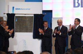 Foto: González y Peña Nieto inauguran la nueva sede de la filial de BBVA en México (FUENTE)