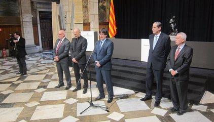"""Puigdemont diu als cònsols que la independència s'acosta: """"Tindran feina"""""""