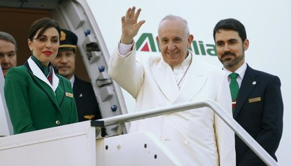 El avión del Papa Francisco despega para iniciar su viaje a México