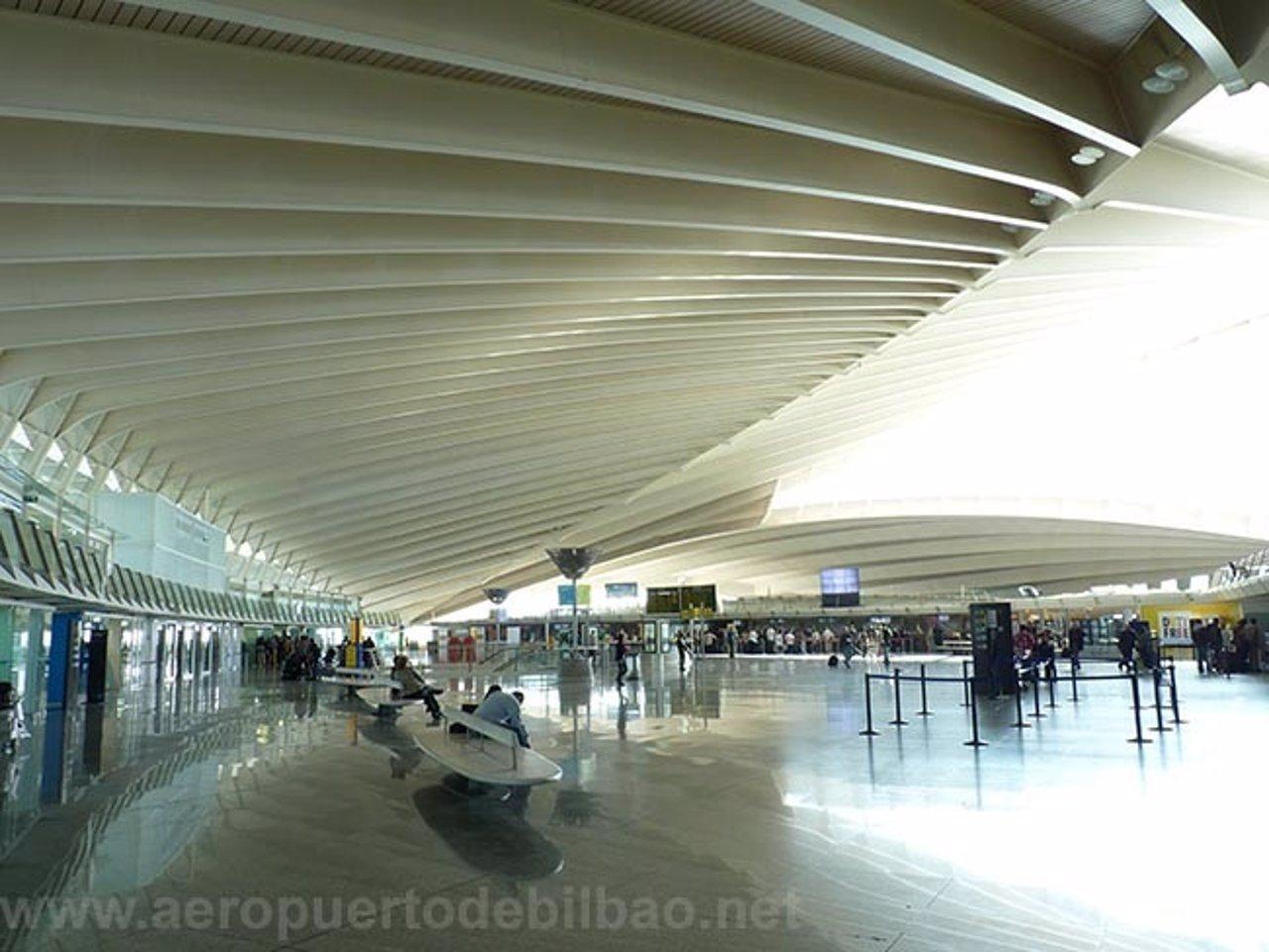Aeroporto Bilbao : El aeropuerto de bilbao aumentó un sus pasajeros en enero