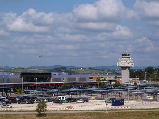 Foto: Crecen un 9,1% los pasajeros del Seve Ballesteros en enero (AYUNTAMIENTO DE CAMARGO)
