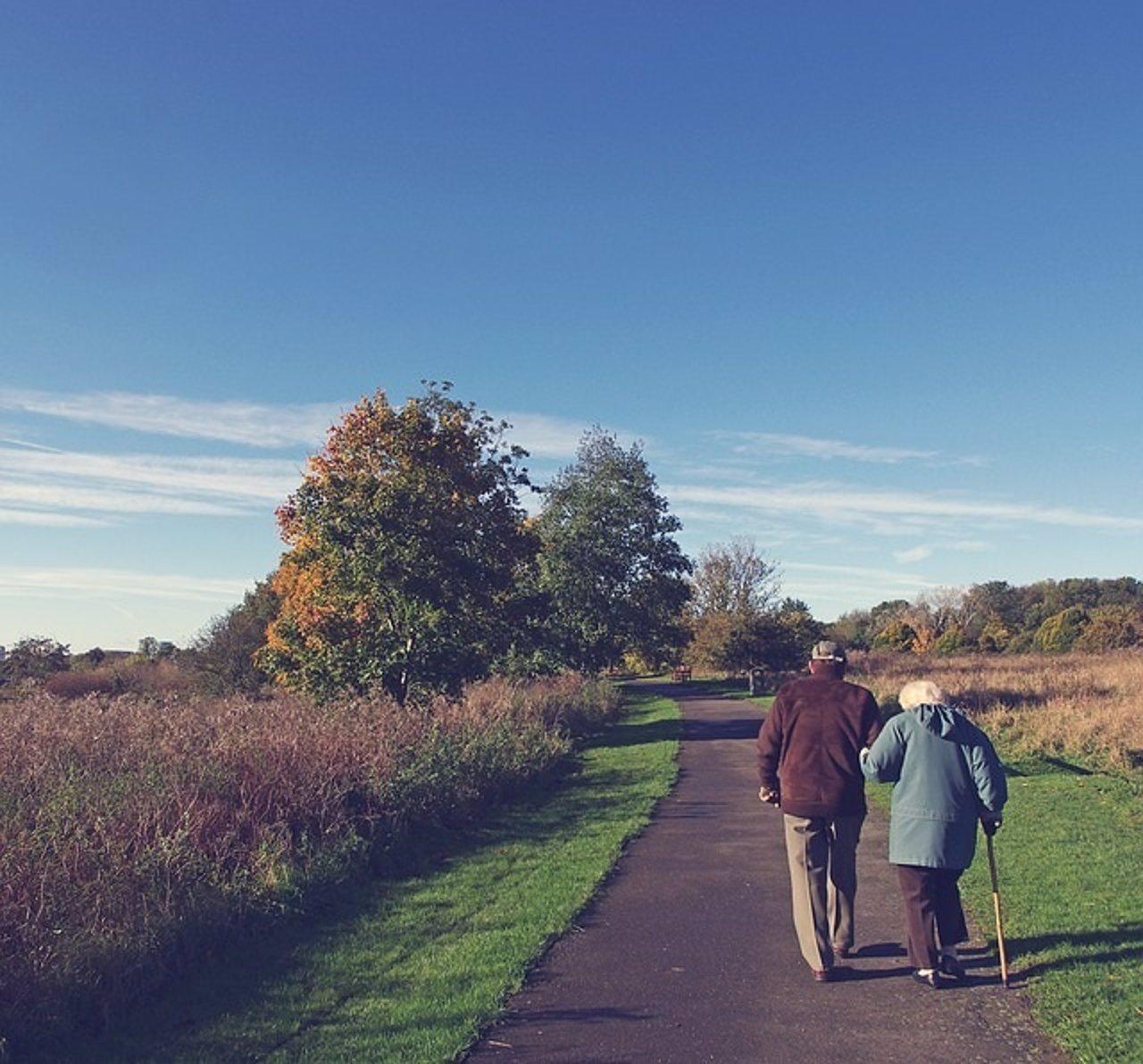 Ancianos andando, andar, mayores
