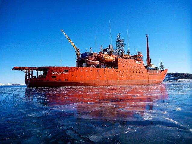 Foto: Reflotan un rompehielos australiano varado en la Antártida (HANDOUT . / REUTERS)