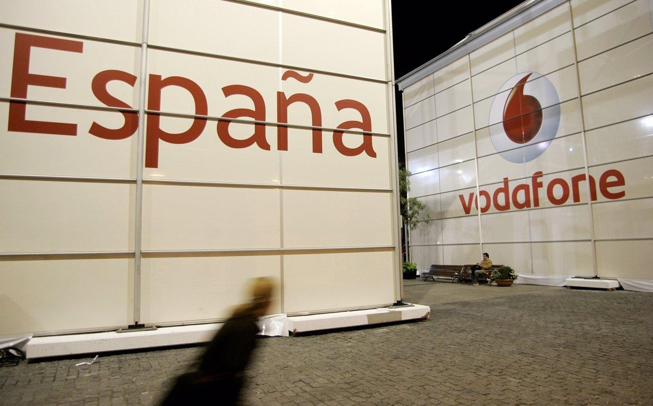 Vodafone espa a busca a reci n titulados para incorporar a for Vodafone oficina