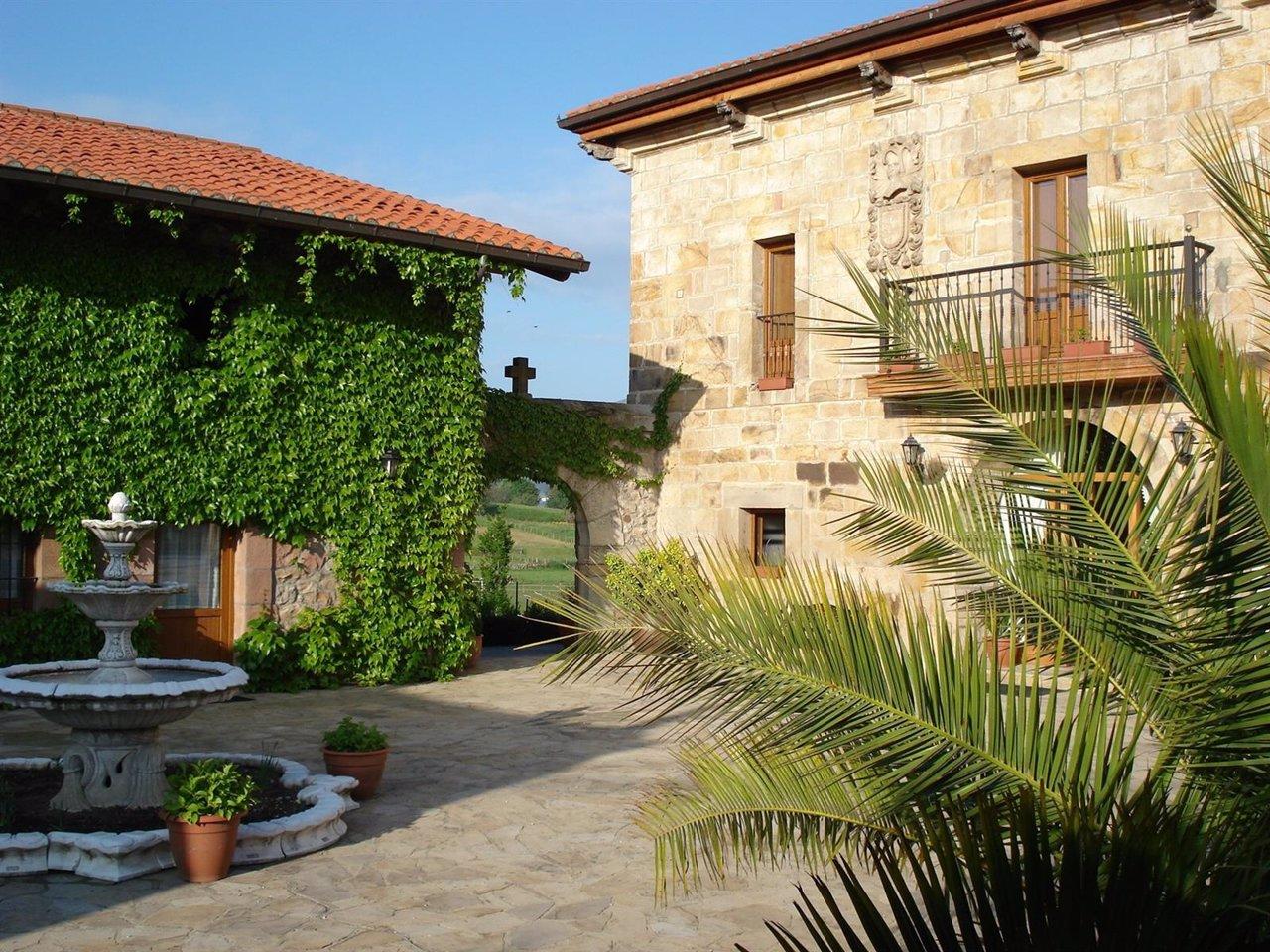 57 hoteles con encanto en madrid selectahotels share the for Hoteles encanto madrid
