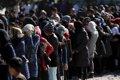 """ACNUR se retira de los """"centros de detención"""" de refugiados en Grecia"""