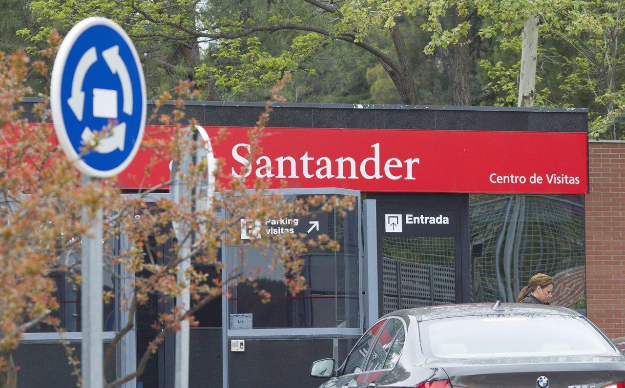 El santander anuncia 39 l zarru d 39 hasta 450 oficines mientres for Santander leon sucursales