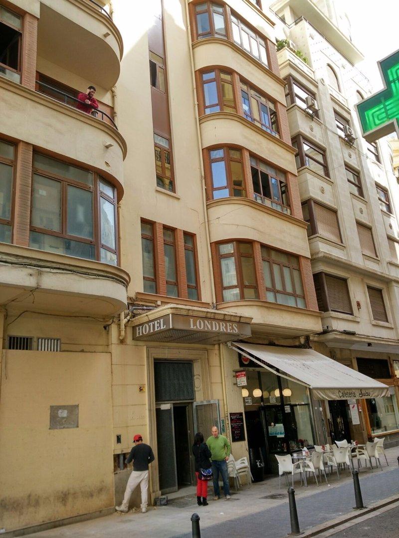 Casual hoteles reabrir el hotel londres con 39 est tica for Londres hotel madrid