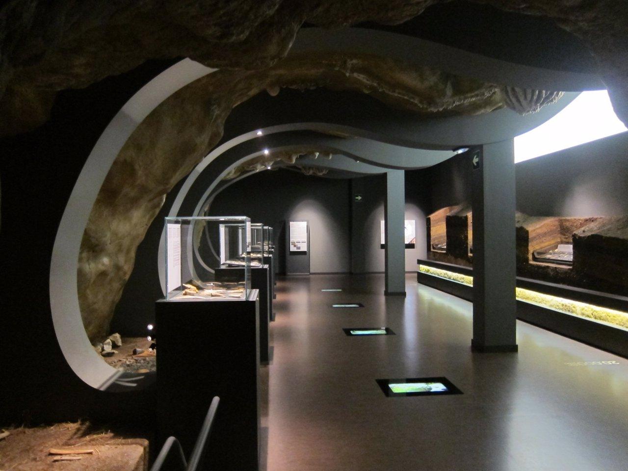 Se presenta en el MUPAC un libro sobre los mejores destinos arqueológicos