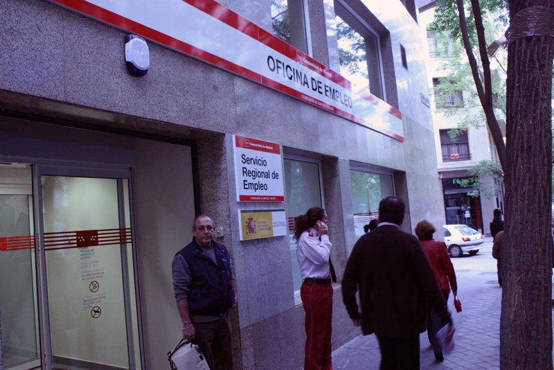 Los funcionarios de las oficinas de empleo sufrieron 326 for Oficina de empleo caceres