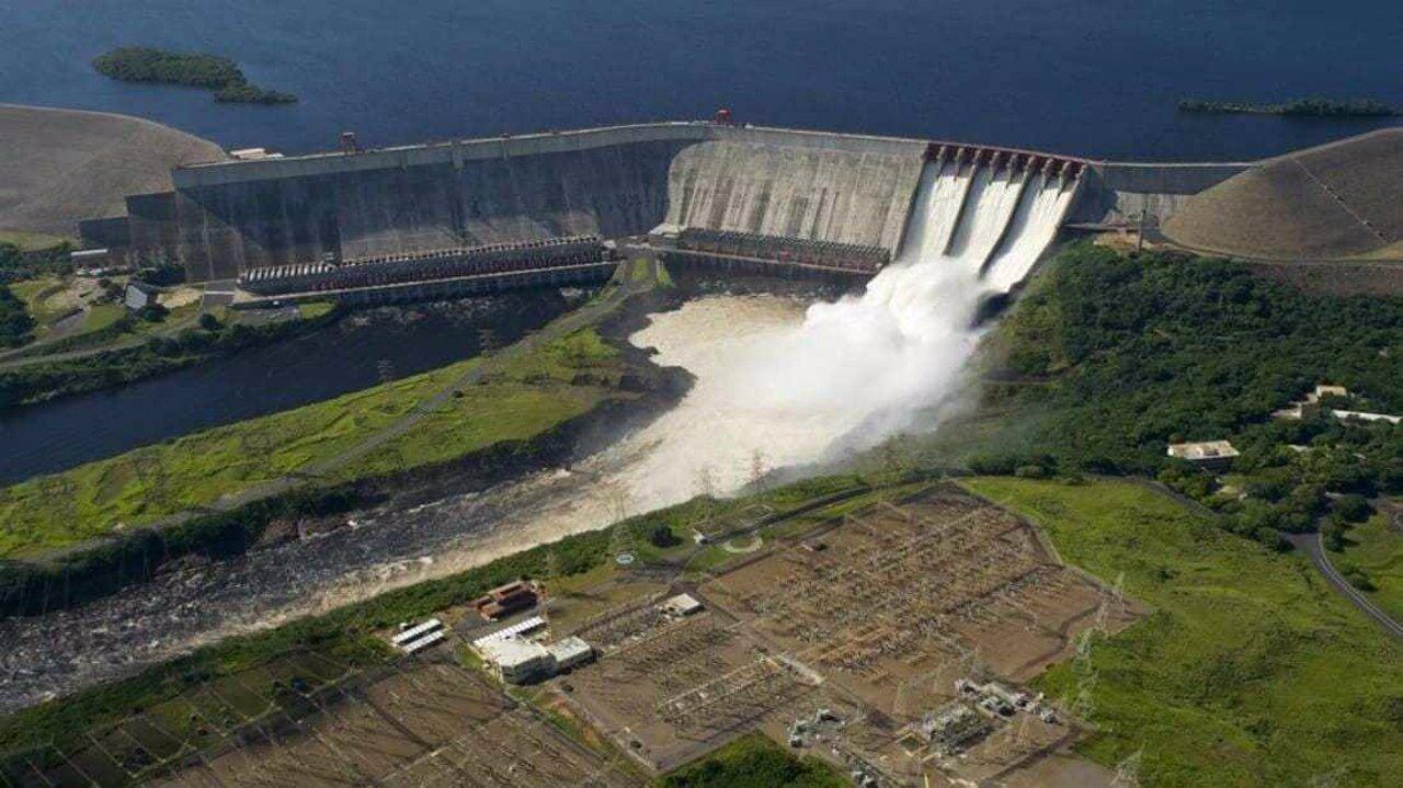 Resultado de imagen de energia electrica guri venezuela