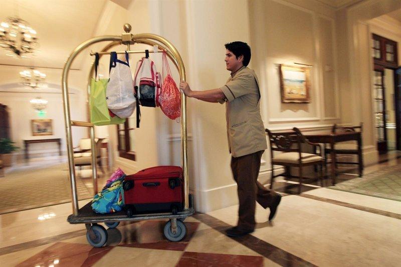Un total de 4 de cada 10 baleares se llevaría el albornoz del hotel