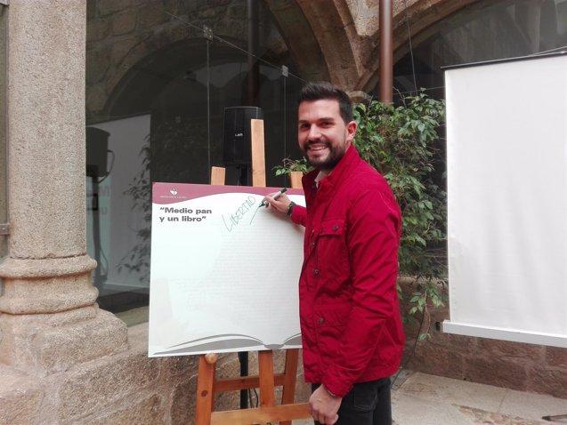 Foto: La campaña de animación a la lectura 'Tesoros de Papel' se dedica al cuarto centenario de la muerte de Cervantes (EUROPA PRESS/REMITIDO)