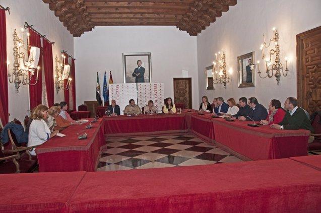 Foto: La Diputación de Cáceres reforzará su Área de Asesoramiento a los once municipios afectados por la retención del PIE (DIPUTACIÓN DE CÁCERES)