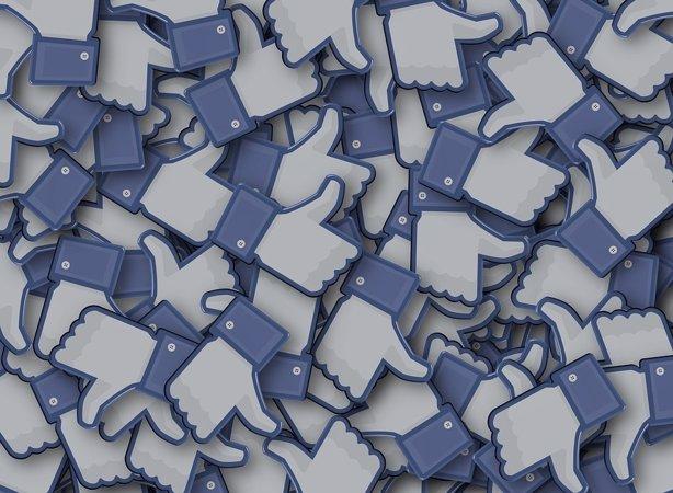 Facebook triplica su beneficio en el primer trimestre y alcanza los 1.650 millones de usuarios activos al mes CC/PIXABAY
