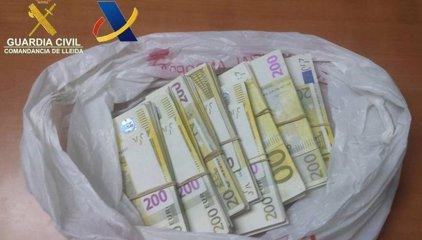 Decomissen 39.200 euros procedents d'Andorra a un home a Lleida