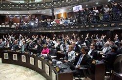 El Parlamento aprueba una moción de censura contra el ministro de Alimentación venezolano (AN)
