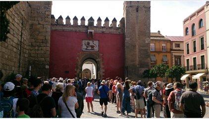 Espanya rep 12 milions de turistes internacionals fins al març, un 13,9% més