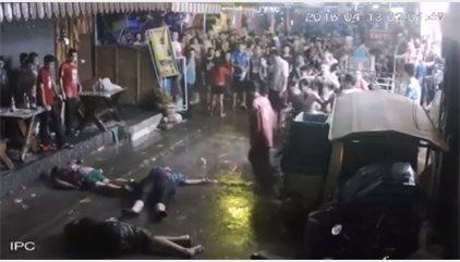 Una familia británica recibe una fuerte paliza en las calles de Hua Hin, Tailandia