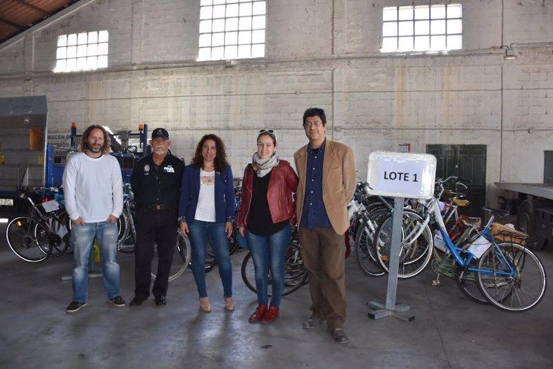 La Policía Local entrega 56 bicicletas a entidades sociales