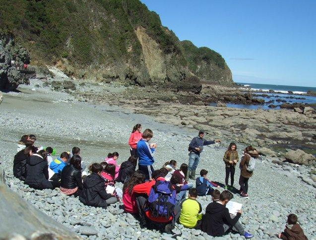 Foto: Laredo desarrolla la VI Campaña Escolar de Conocimiento del Medio Natural (AYTO)