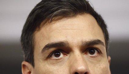 """Pedro Sánchez pide """"unidad y confianza"""" al PSOE en las próximas semanas para ganar el PP"""