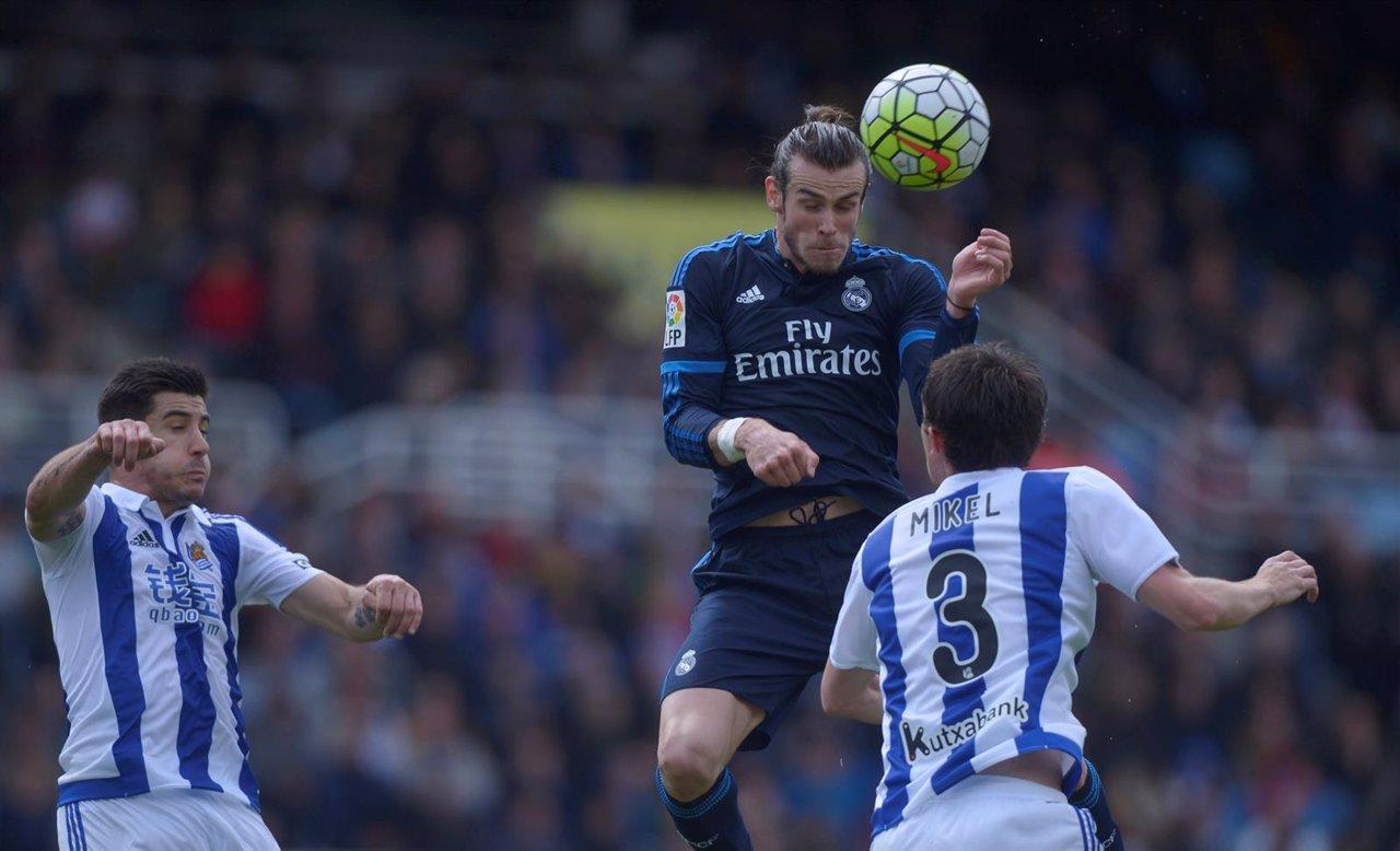 Bale guía al Real Madrid al frente de la tabla