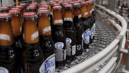 La mayor cervecera de Venezuela cierra por falta de cebada